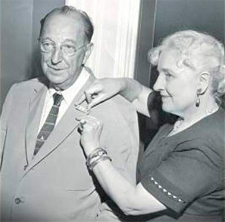 Calvitt Clarke e sua esposa Helen